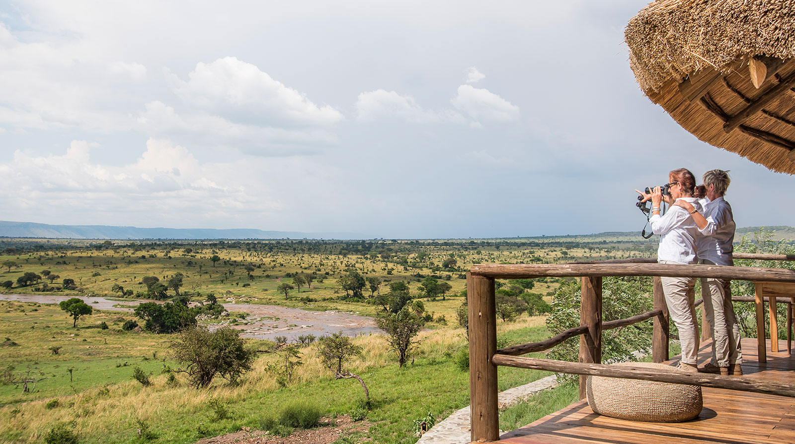 Mara River Post - Overlooking the River on 270°